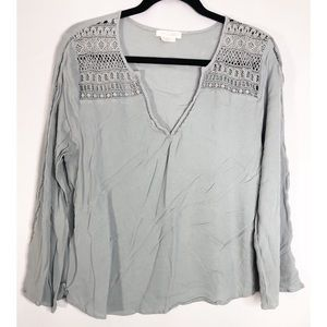 The hanger M light green boho long sleeve blouse
